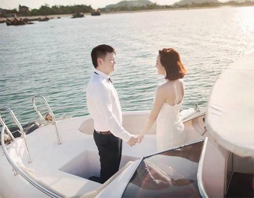 Văn Quyến lộ ảnh cưới