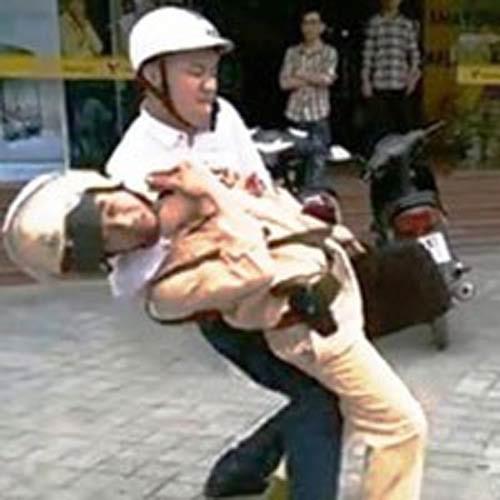 Xét xử lưu động đối tượng hành hung CSGT ở Thanh Hóa