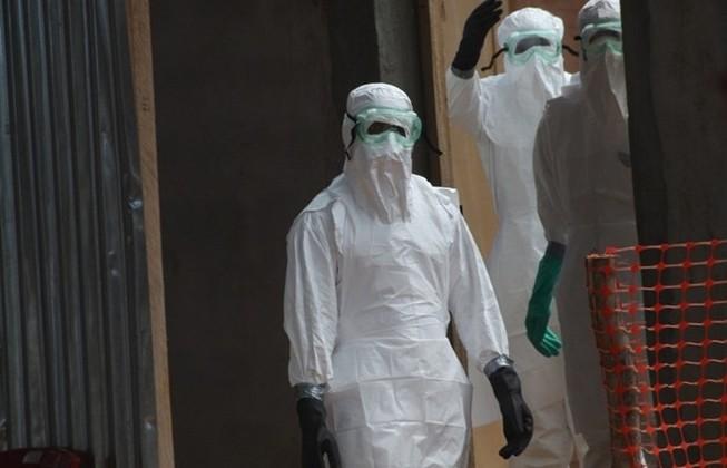 Hơn 900 người chết vì Ebola
