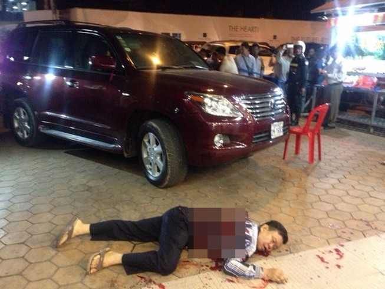 Ông trùm xây dựng Campuchia bị bắn chết gần xe Lexus
