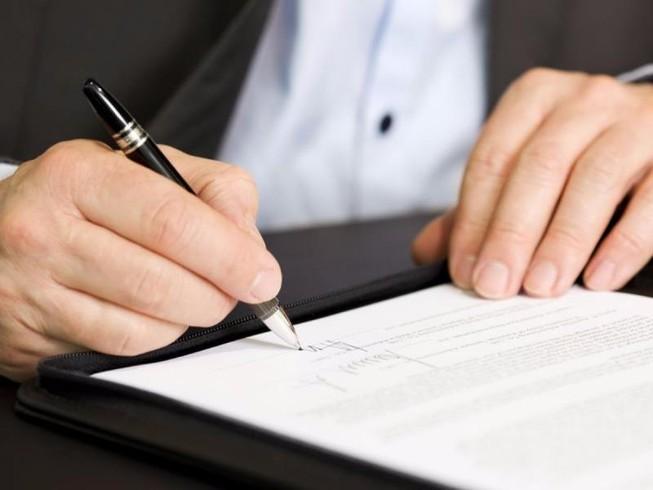 Không ký hợp đồng lao động dài hạn với người cao tuổi | Pháp luật | PLO