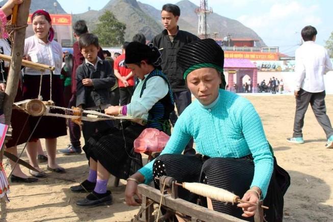Về Hà Giang xem Lễ hội Gầu Tào