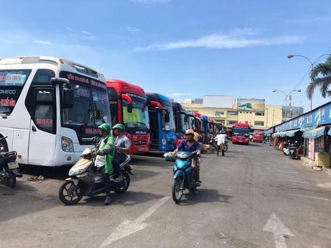 TP.HCM: Xe buýt, xe khách, taxi, xe công nghệ hoạt động lại