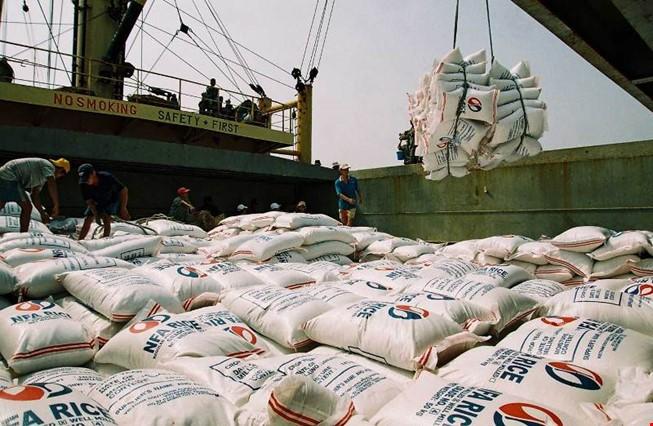 Xử lý triệt để vụ tốn 20.000 USD xin giấy phép xuất gạo