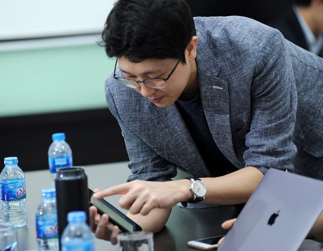 Một startup Hàn Quốc đang giới thiệu sản phẩm