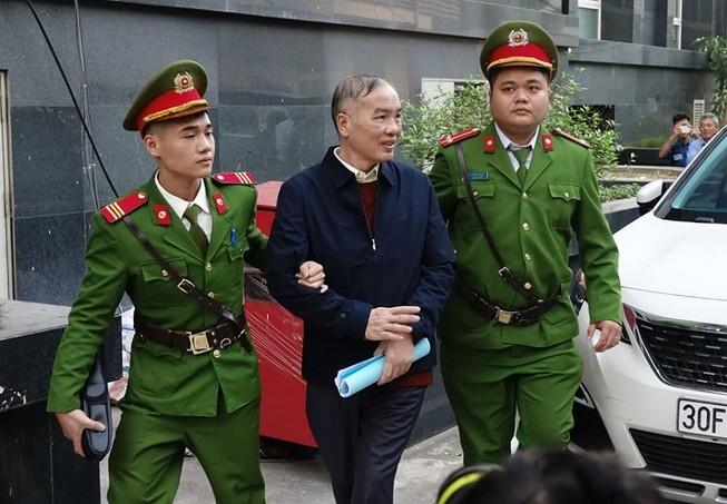 Ông Lê Nam Trà khai gì về 'thùng hoa quả' 2 triệu USD?