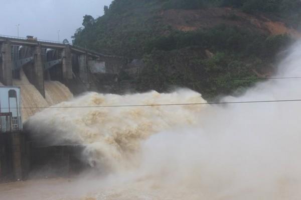 Bộ trưởng Bộ TN&MT chỉ đạo kiểm tra thủy điện Hố Hô