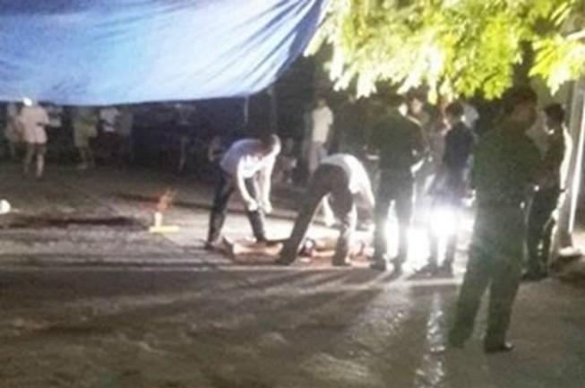 Sau tiếng súng nổ, cả 2 vợ chồng chết bất thường tại nhà