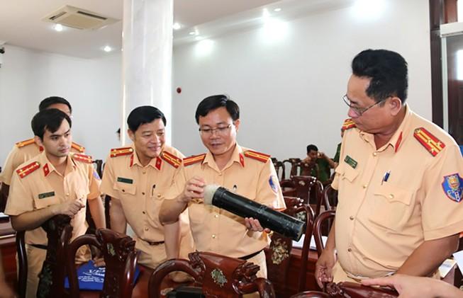 Bộ Công an chỉ đạo vụ súng phóng bùi nhùi chặn quái xế