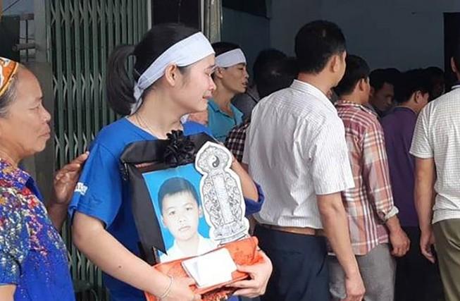 Thủ tướng yêu cầu làm rõ vụ 8 học sinh tử vong tại Hòa Bình