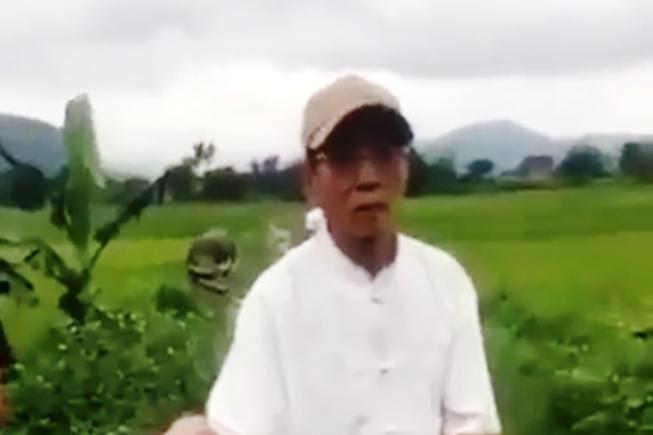 Tạm giữ ông già 80 tuổi nghi giở trò với bé 8 tuổi giữa đồng