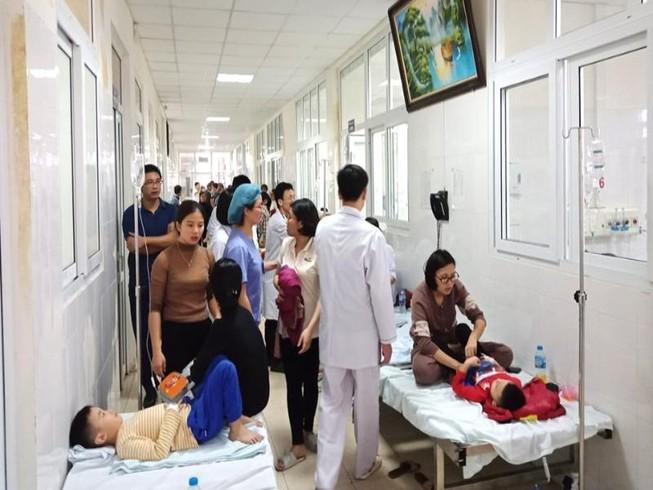 Hàng chục HS mầm non ở Thanh Hóa nhập viện nghi ngộ độc