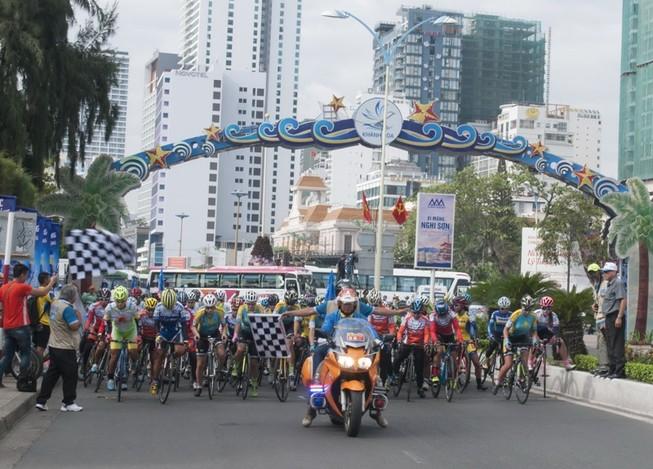 Khai mạc giải Xe đạp nữ toàn quốc mở rộng lần 19