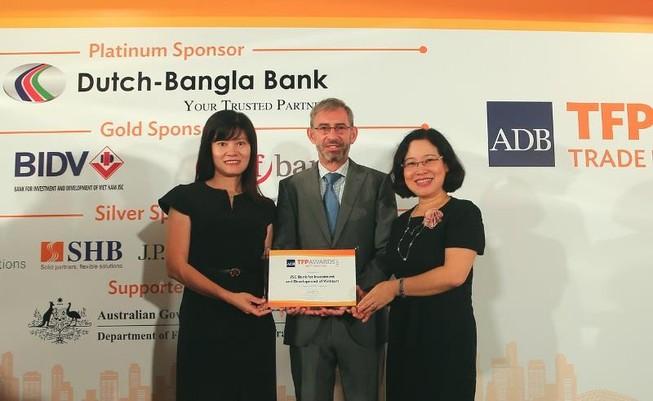 BIDV nhận giải thưởng 'Best SME Deal' của ADB