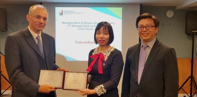 Vietcombank: Bảng cân đối tài chính mạnh nhất Việt Nam