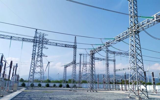 Đua nhau làm điện tái tạo gây áp lực lên lưới điện