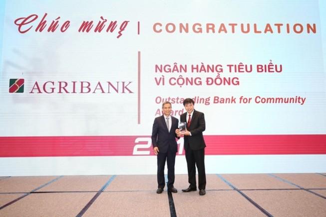 Agribank: Hai giải thưởng Ngân hàng Việt Nam tiêu biểu 2019