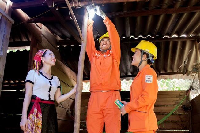 EVNNPC: 3.000 hộ nghèo, chính sách được lắp đèn LED miễn phí