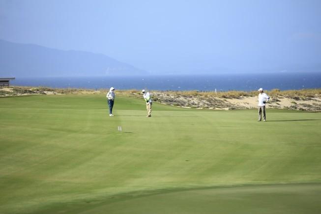 Giải Golf 'Vì Trường Sa thân yêu' gây quỹ hơn 136 tỉ đồng