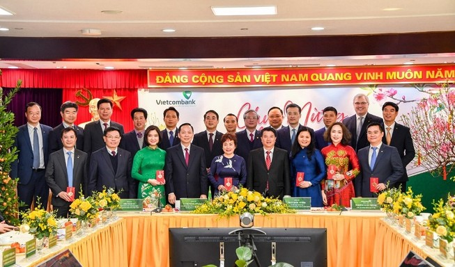 Thường trực Ban Bí thư chúc tết Vietcombank