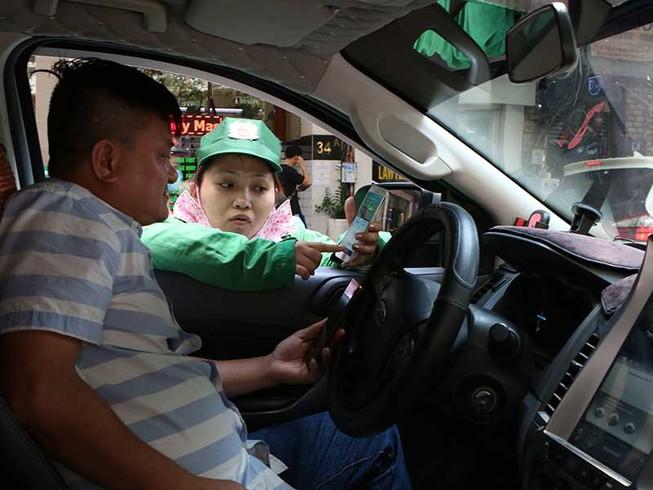 Đề xuất phạt nguội mức tối đa việc 'trốn' phí đỗ xe ô tô