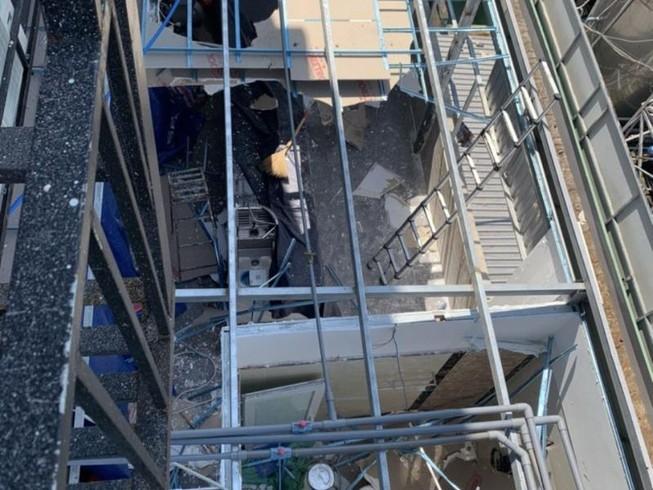 Nhà hàng xây trái phép tháo dỡ các hạng mục vi phạm