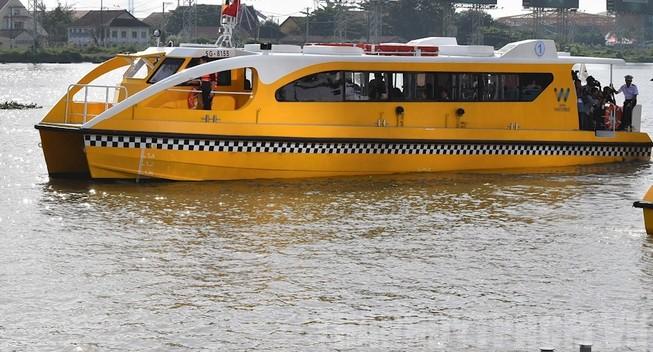 TP.HCM: Giảm chuyến buýt sông vì dịch COVID-19