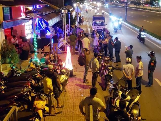 Dẹp quán nhậu trên đường Phạm Văn Đồng: Người dân vui mừng