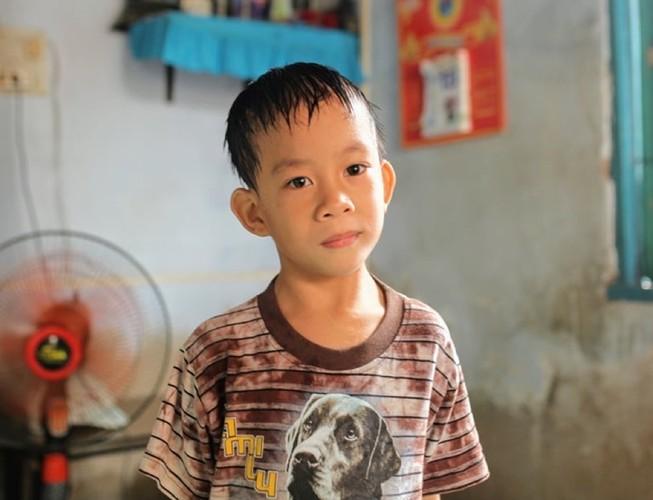 Nhiều tấm lòng giúp đỡ gia đình bé Phi Long