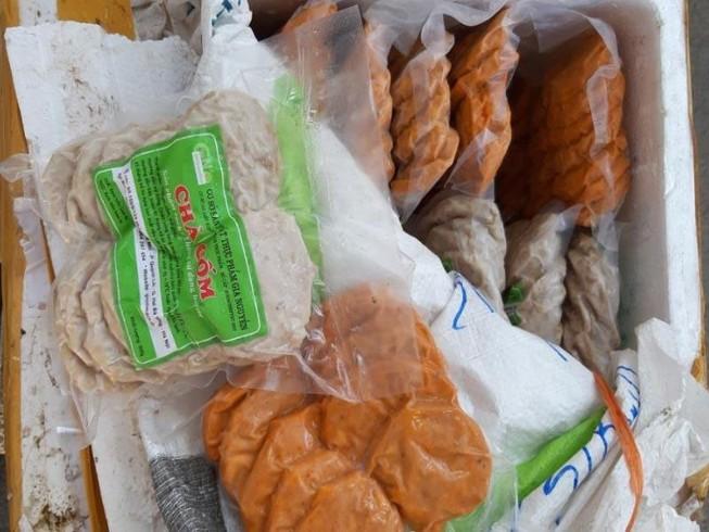 'Tóm' 790 kg nem chua, chả lậu từ Hà Nội vào TP.HCM