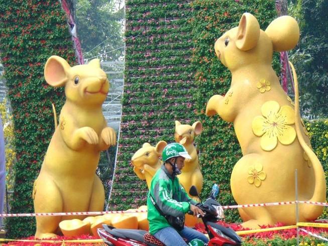 Những chú chuột lí lắc trong Hội hoa xuân Canh Tý 2020