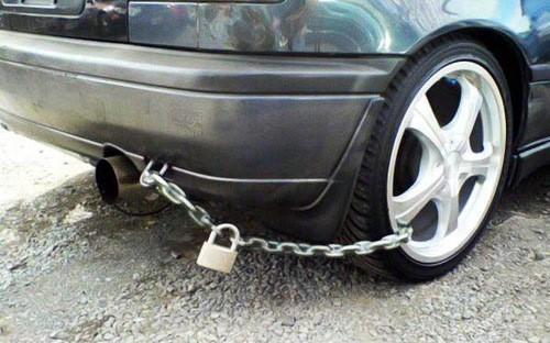 """Năm giải pháp phòng ngừa """"đạo chích"""" xe hơi"""