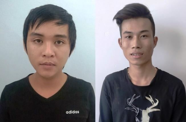 Hai thanh niên giả cảnh sát tát cô gái nhiều lần để cướp