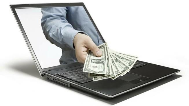 Nhân viên ngân hàng bị nữ tạp vụ lừa 900 triệu đồng