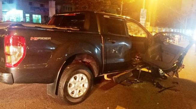 1 phụ nữ gãy đốt sống cổ khi ô tô tông vào xe máy