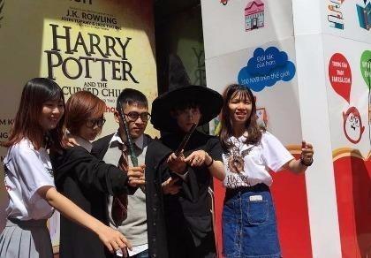 Harry Potter tập 8 ra mắt tại Việt Nam cùng lúc với thế giới