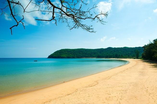 TP.HCM có tàu chở 300 khách đi Côn Đảo chỉ mất 6 giờ