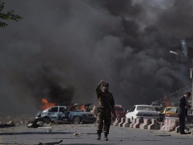 IS đánh bom Kabul để cảnh báo Mỹ?