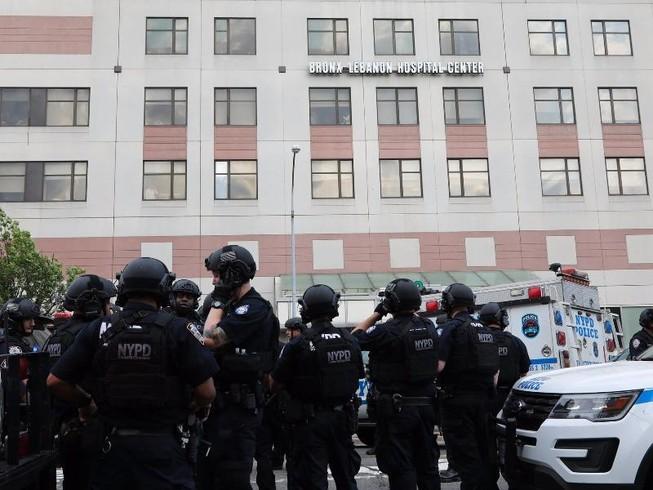 Bác sĩ mang súng vào bệnh viện bắn chết đồng nghiệp