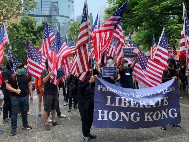 Hong Kong: Người biểu tình kéo đến lãnh sự quán Mỹ nhờ ủng hộ