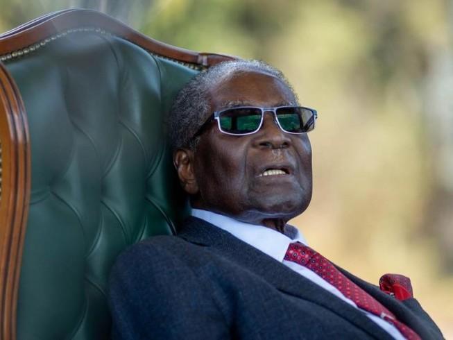 Quan chức Zimbabwe qua Singapore đưa thi hài ông Mugabe về