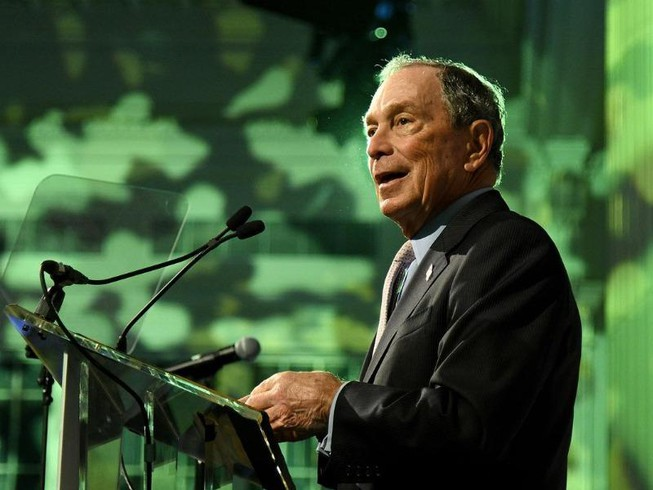 Tranh cử trễ, ông Bloomberg làm gì để bắt kịp đối thủ?