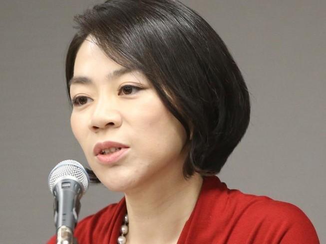 Bà Cho Huyn-ah, nhân vật gắn với tai tiếng đuổi tiếp viên liên quan chuyện phục vụ hạt macca trên máy bay. Ảnh: AP