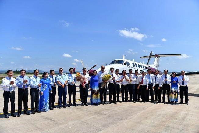 Sân bay Vân Đồn đón chuyến bay hiệu chuẩn đầu tiên