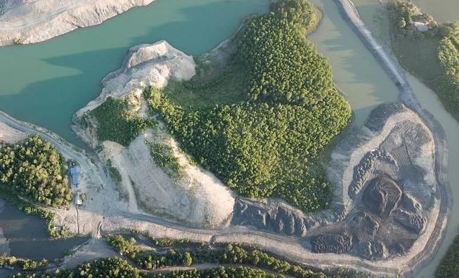 Phó Thủ tướng yêu cầu xử lý vụ núp bóng nghĩa trang đào than