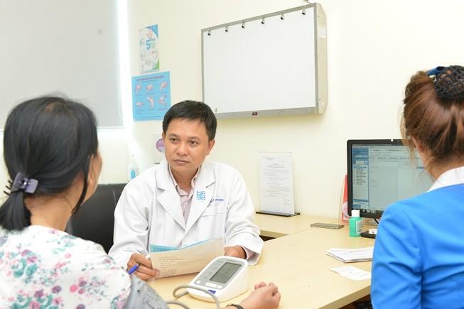 Điều trị suy tĩnh mạch chỉ bằng 1 mũi kim châm