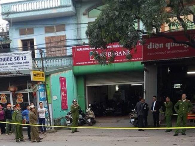 Bắt nghi phạm cướp ngân hàng bằng bom giả