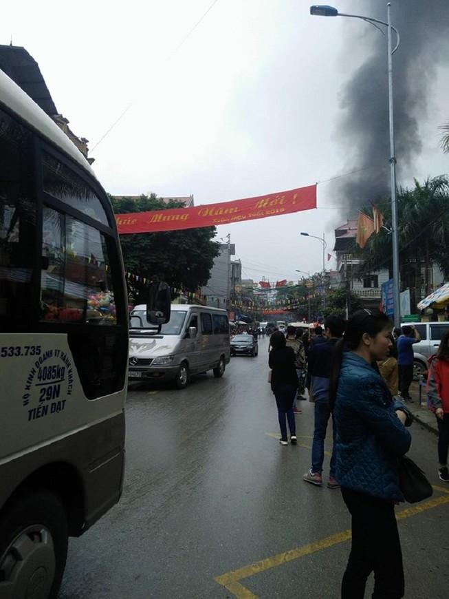 Cháy lớn tại đền Mẫu ngày mùng 5 Tết