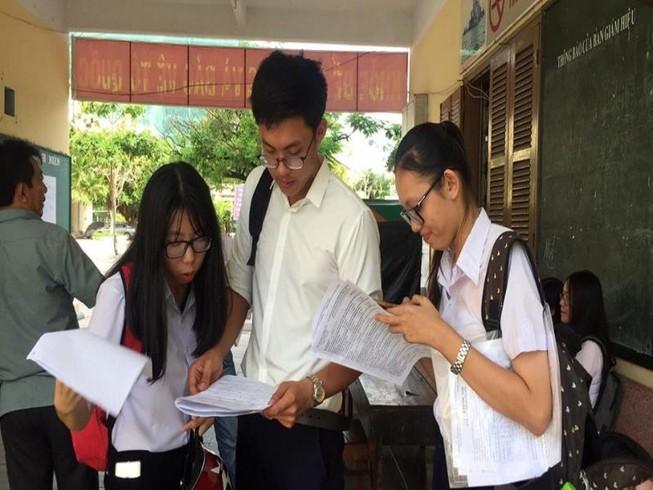 Đề thi tiếng Anh dễ thở với... học sinh chuyên Anh
