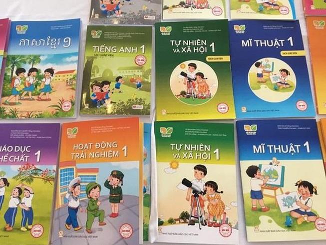 Bộ Giáo dục phê duyệt thêm 7 sách giáo khoa lớp 1